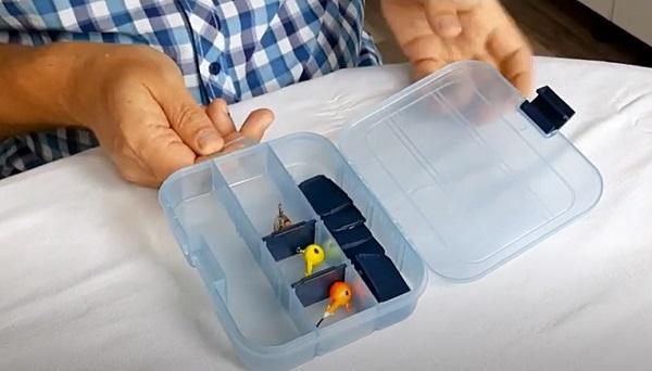 Видео - коробка для крючков, блесен, джиг-головок AQUATECH 7001